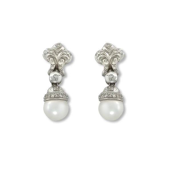 18K white Gold, handmade, Diamonds & Pearls earrings.