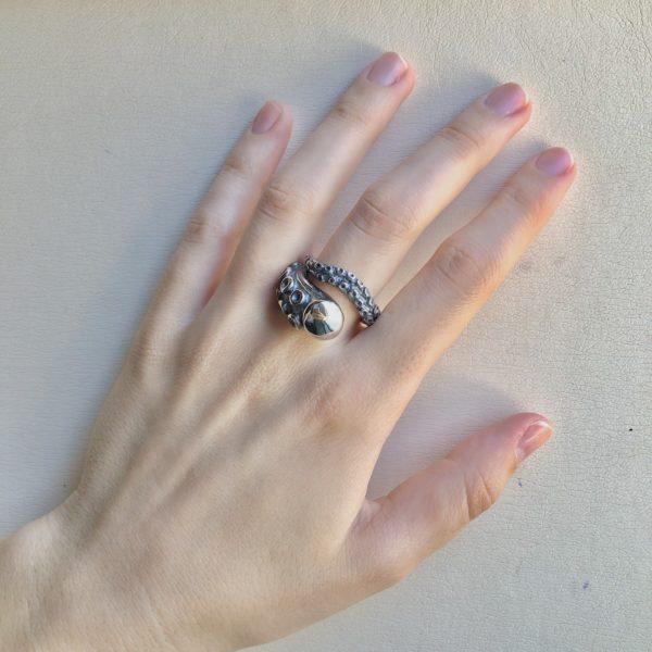 Silver 925, handmade octopus tentacle ring.