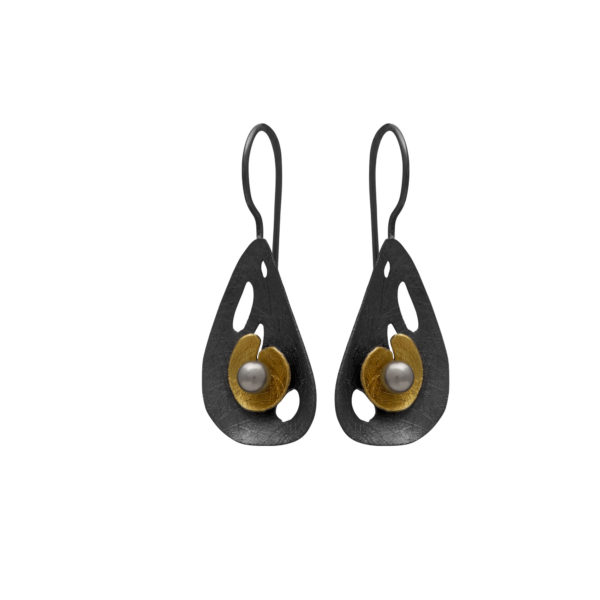 Silver 925, handmade oxidized earrings with genuine pearl.