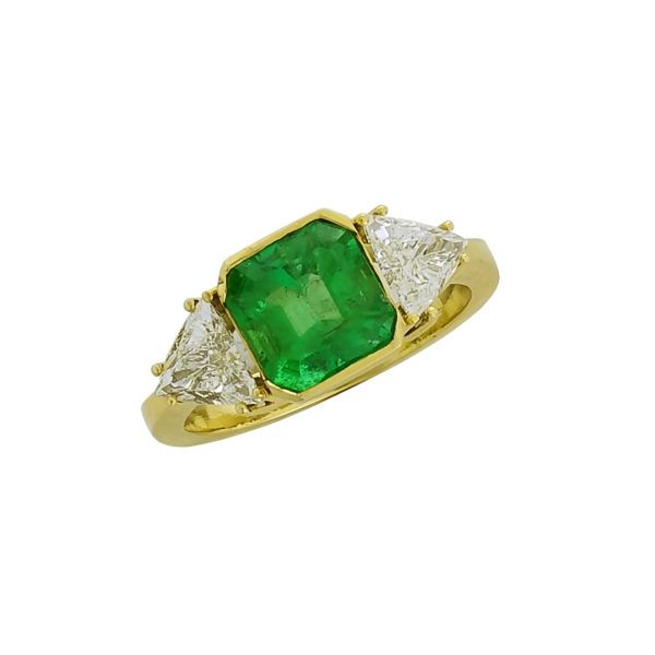 18K Gold, handmade, Emerald and Diamond ring.