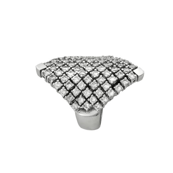 18 carat White Gold Handmade Diamonds Ring.