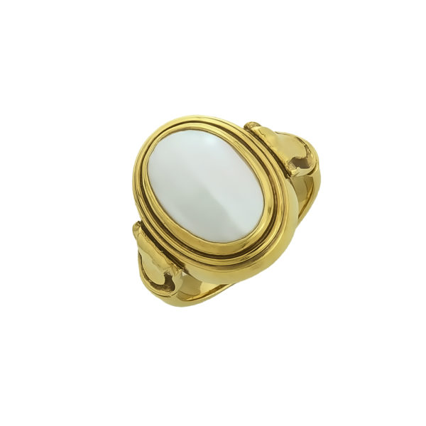 18 carat yellow Gold with Mother-of-Pearl ring
