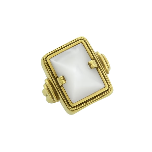 18K yellow Gold with Mother-of-Pearl handmade ring.