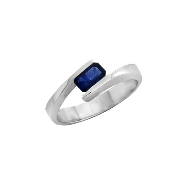 18K White Gold, handmade, Sapphire ring.