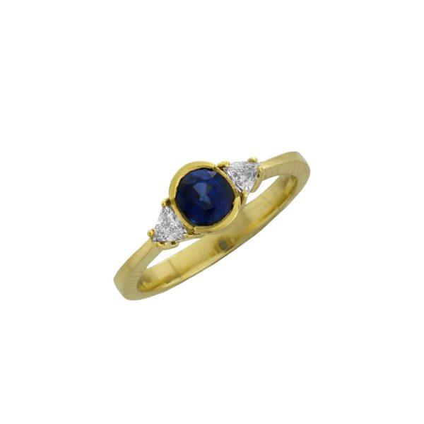 18K Gold, handmade, Saphire and Diamonds ring.